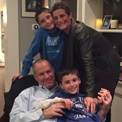 Debbie Leitner with her family (Twitter)