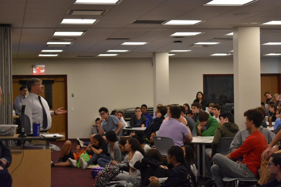 Students+attending+a+session+on+the+2020+election+by+SHS+Social+Studies+Department+Chair+John+Harrison.