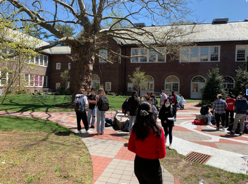 Students hanging out at the courtyard near the Learning Commons during lunch.